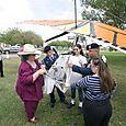 Carol Cullar liberando mariposas - Foto Vico Gutiérrez
