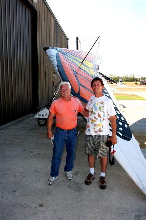 Piloto del AT6 y Vico - Foto Luis Miranda