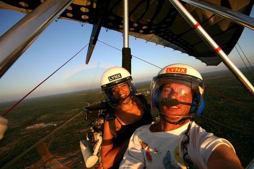 Meera y Vico volando en Eagle Pass - Foto Vico Gutiérrez