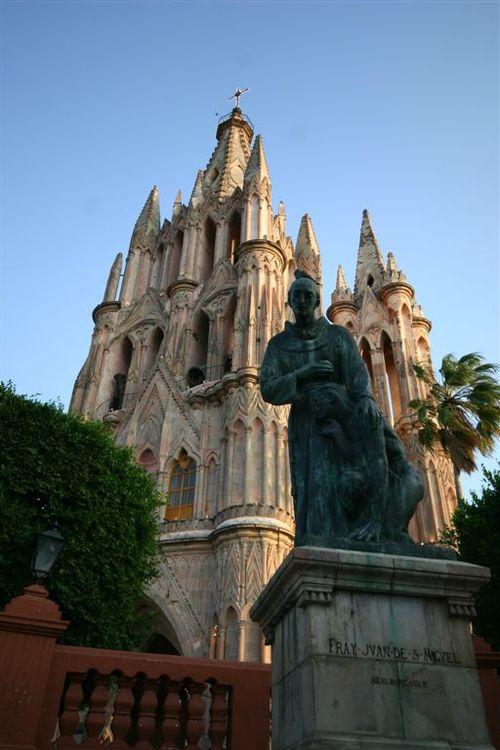 La Famosa Iglesia de San Miguel - Foto Luis Miranda