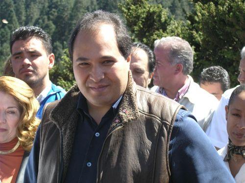 El Gobernador a su llegada - Foto Pat Gutiérrez
