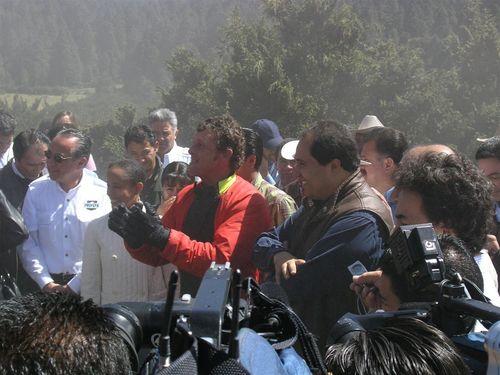Lo esperaba el Gobernador Lázaro Cárdenas y su esposa Maira de Cardenas - Foto Pat Gutiérrez