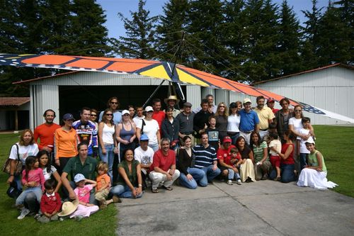 Familiares y amigos los esperaban para darles la bienvenida