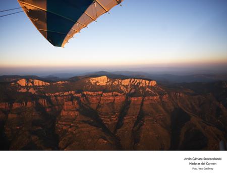 Avión Cámara Sobrevolando Maderas del Carmen - Foto Vico Gutiérrez