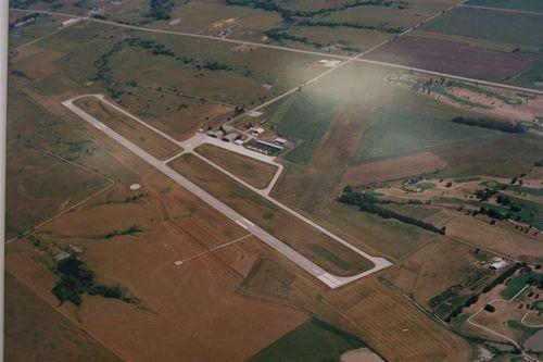 Pista Emporia Airport, KS - Foto Luis Miranda